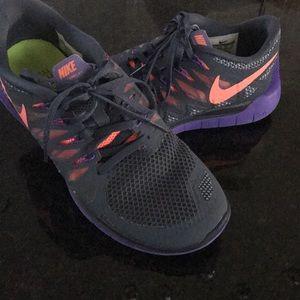 Nike free run 5.0 gray/coral/purple